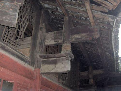 5)采用传统榫铆式结构的建筑现在越来越少见了