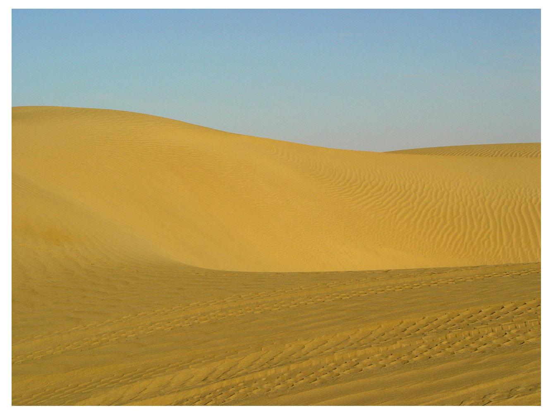 塔克拉玛干沙漠的早晨