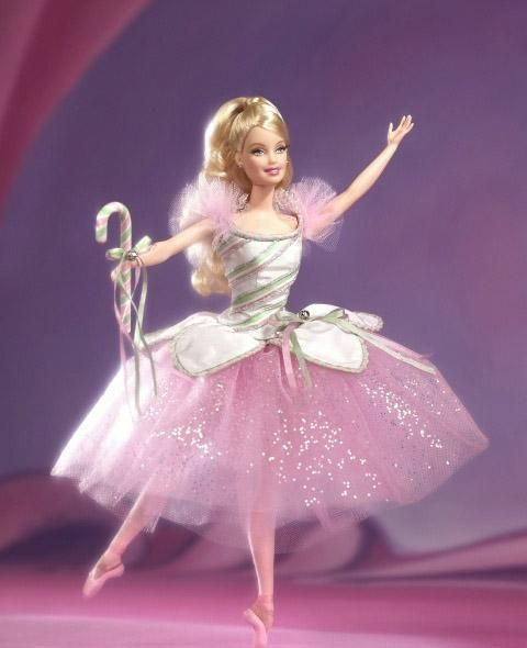 还有可爱的芭比娃娃.