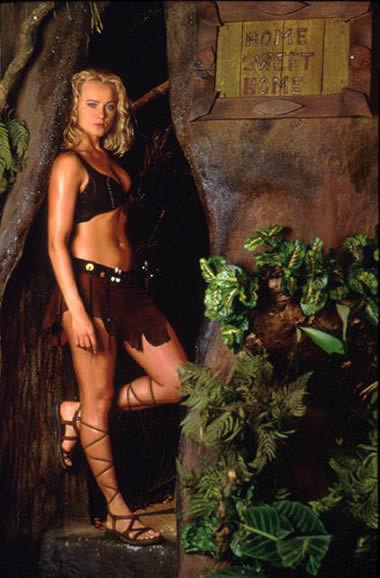 电影美女爱上我_片中在原始丛林生活了11年的美女维罗尼卡?