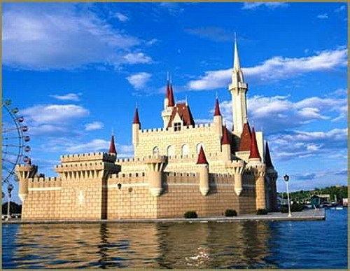 世界公园亚洲景区,汇集了全世界五大洲的名胜古迹