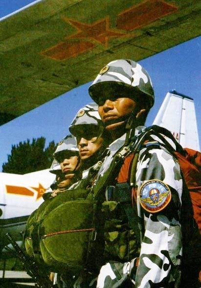 120火箭筒_鹰击长空:点评中国空降兵部队装备-坚定的锡兵-搜狐博客